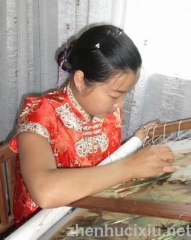 苏州高新区钱亚清苏绣艺术中心创办人钱亚清